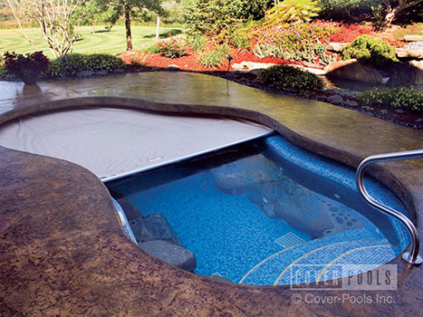 Pool Covers in Spokane, WA | Automatic Swimming Pool Covers
